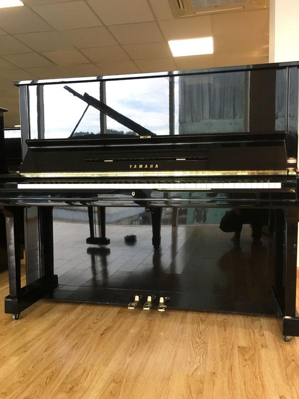 mua-dan-piano-yamaha-cu-u3h-tra-gop
