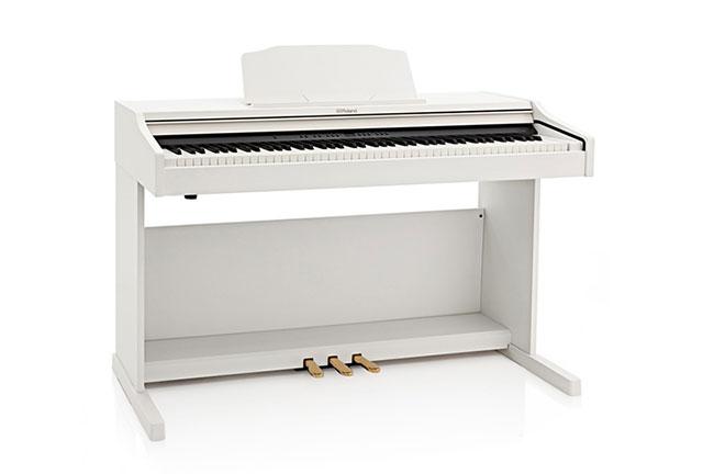 dan-piano-dien-roland-nhat-ban