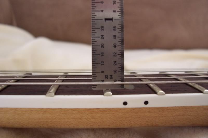 đo action guitar