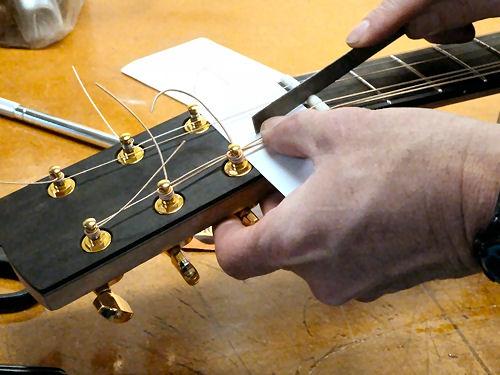 lược đàn guitar