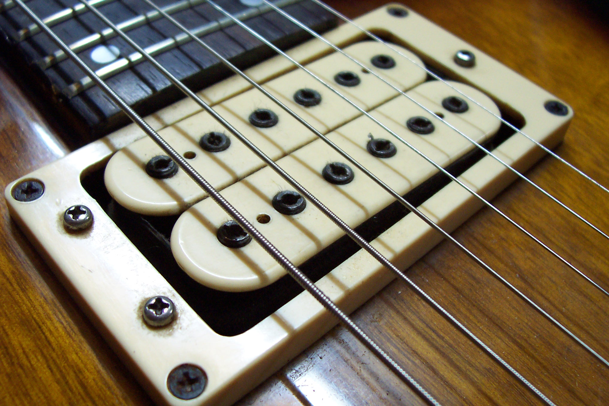 pickup guitar điện