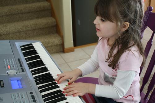 Kết quả hình ảnh cho tự học đàn organ tại nhà