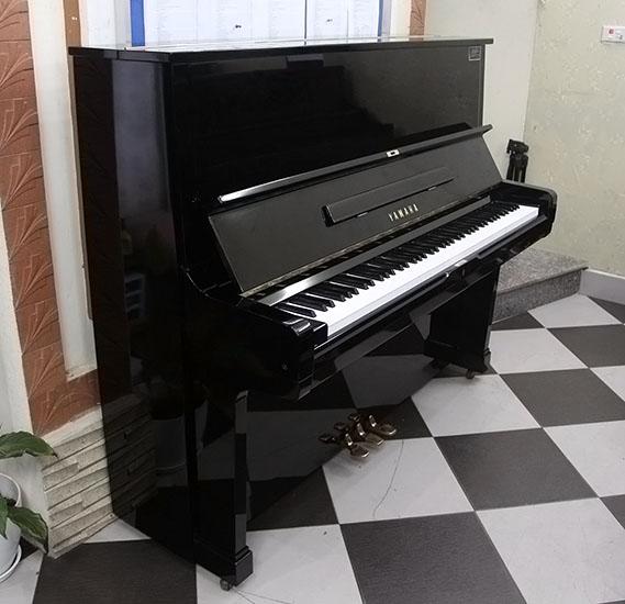 dan piano cu yamaha u2h