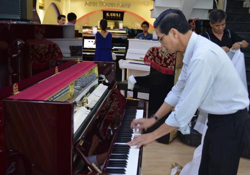 khui-thung-dan-piano-kohler-campbell