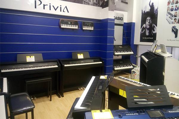 369-viet-thuong-khu-piano-keyboard
