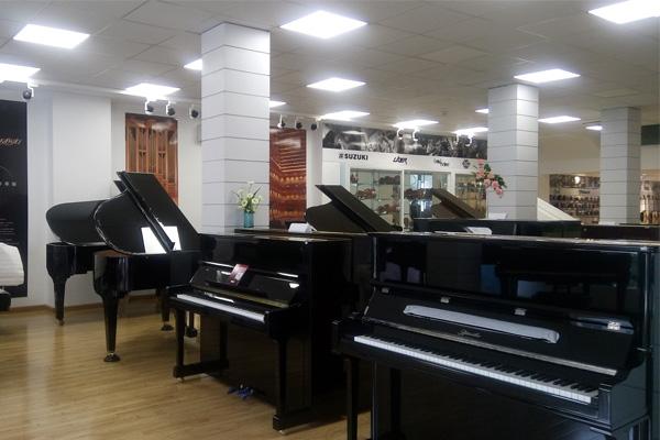 369-viet-thuong-khu-piano