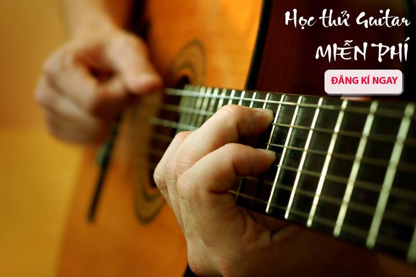 Chương trình học thử đàn Guitar và Ukulele của Việt Thương Music School