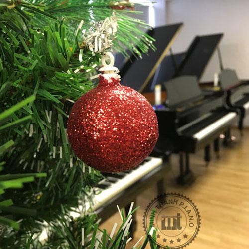 Bộ Ảnh Piano Cũ Mừng Giáng Sinh 2017 tại Việt Thương 369