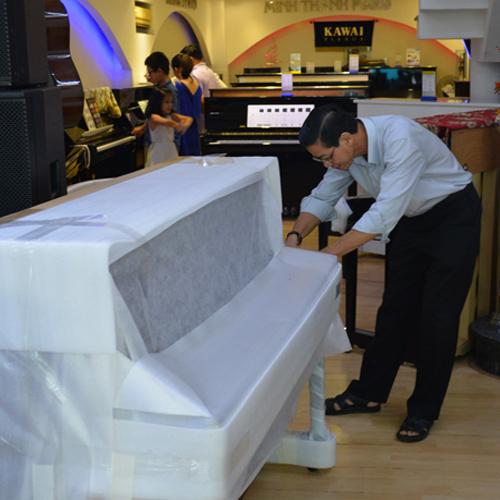 Khui thùng đàn piano Kohler & Campbell tại Minh Thanh Piano