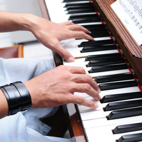Những bước học đàn piano cơ bản ở nhà
