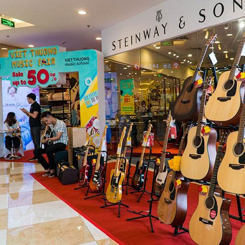 Việt Thương Music Fair 2019, Đàn Guitar Ưu Đãi Đến 50%