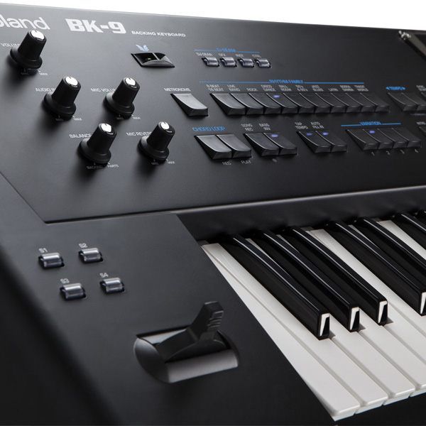 bo nut organ Roland BK-9