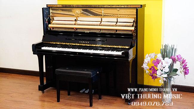 dan piano cu Yamaha U3a