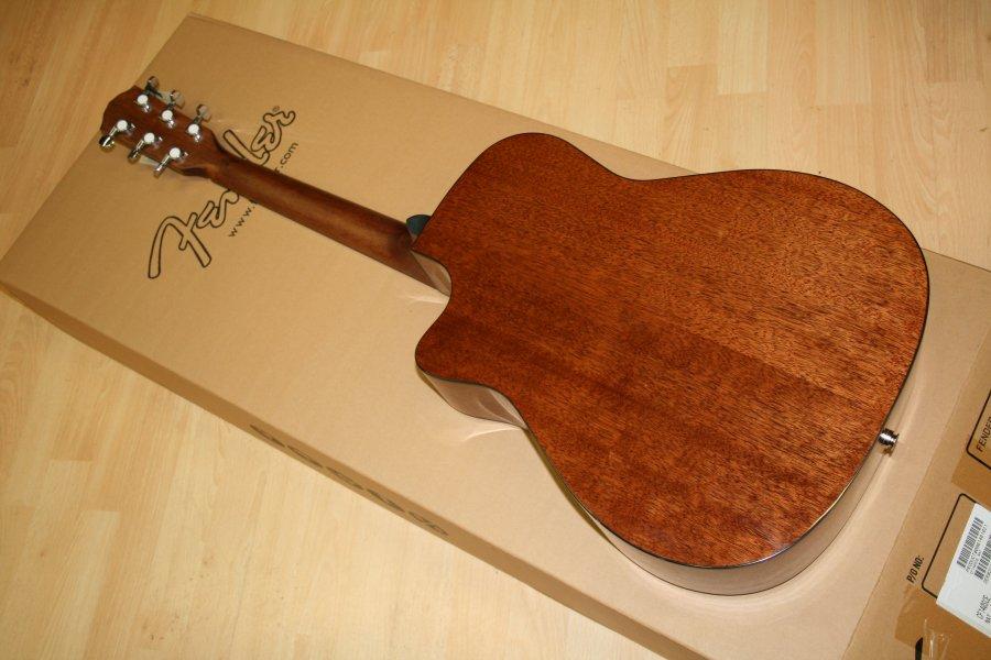 guitar fender CF140SCE