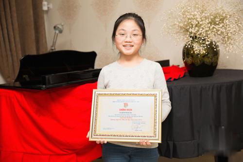 co-be-vang-piano-viet-nam